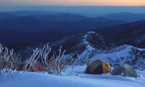 Ночевка в палатке зимой: как согреться и не замерзнуть
