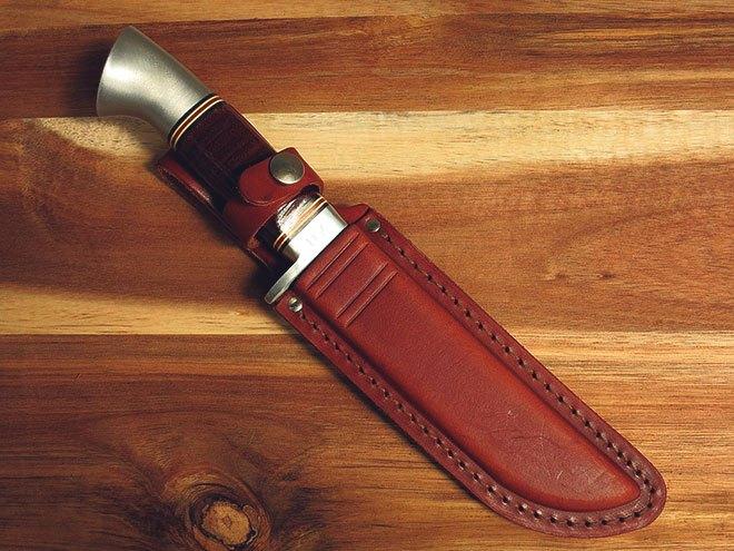 Охотничий нож и ножны