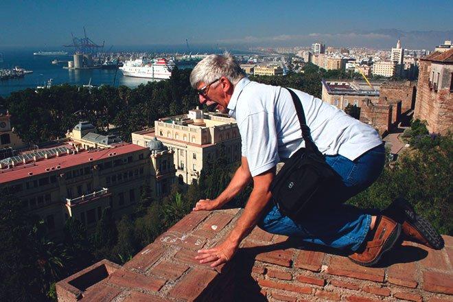 Мужчина боиться высоты