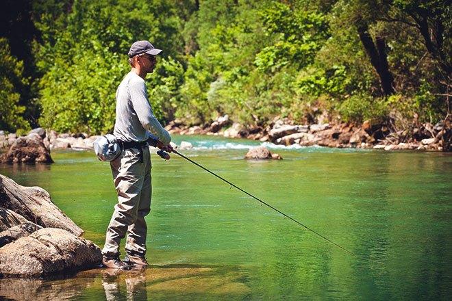 Рыбалка на речке.